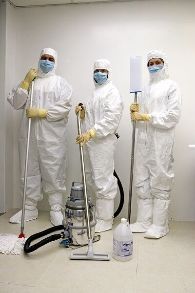 acm-gmp-cleanroom-cleaning-cleaners